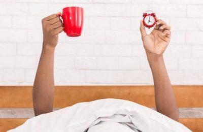 uống cà phê để thức khuya
